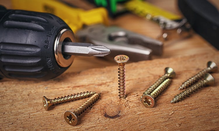 using cordless drill for wood screws