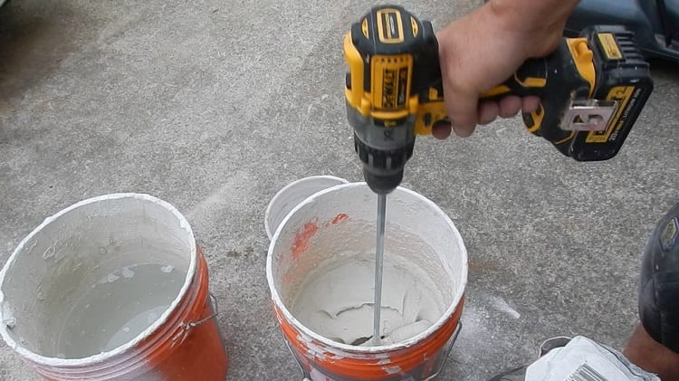 mix paint with cordless drill