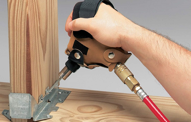 palm nailer for finishing nails